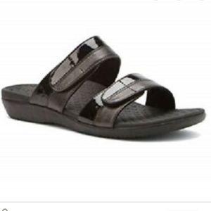 Vionic shore black slip on sandals